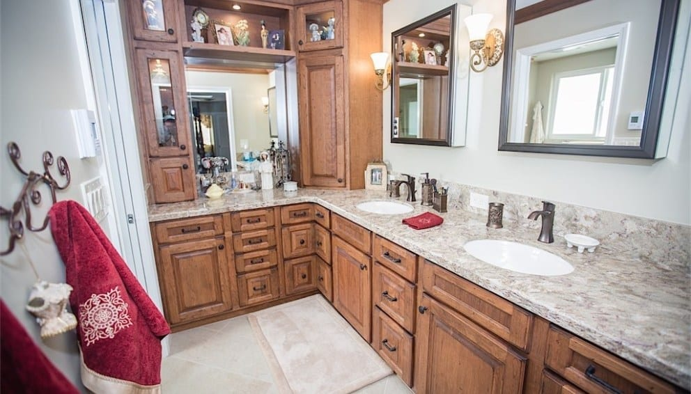 Multi-Bathroom